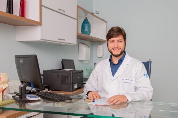 Fábio Ursulino no consultório